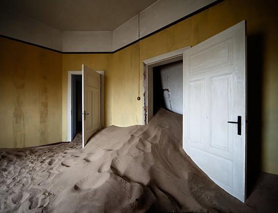 Изображение 2. Alvaro Sanchez-Montañes: город-призрак.. Изображение № 2.