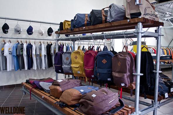 """Новый магазин одежды """"Welldone"""" в FLACON'е. Изображение № 16."""