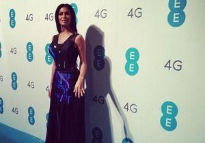 Николь Шерзингер надела первое в мире Twitter-платье. Изображение № 1.