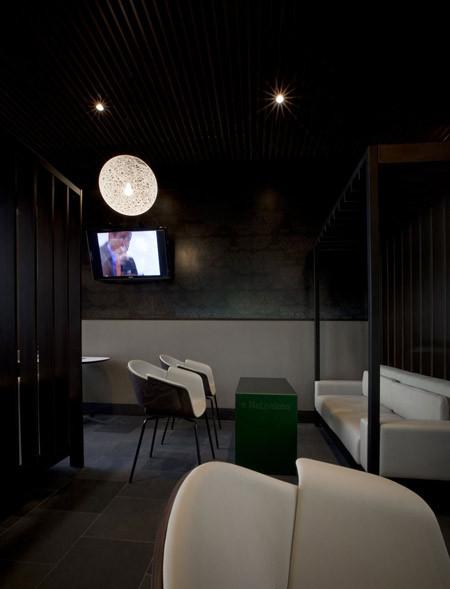 Под стойку: 15 лучших интерьеров баров в 2011 году. Изображение № 95.