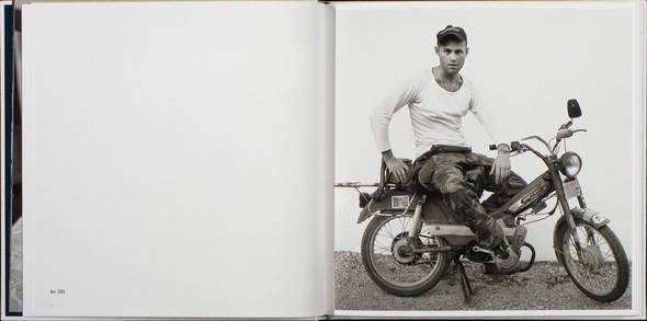 В дороге: 9 фотоальбомов о путешествиях. Изображение № 84.