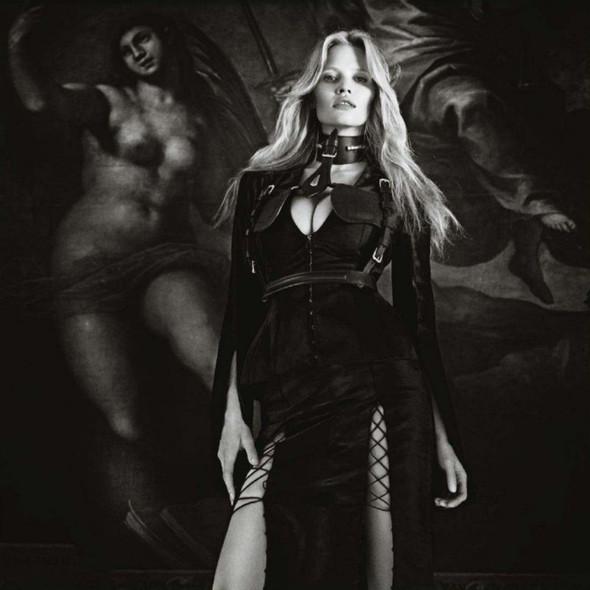 Съёмка: Лара Стоун в объективе Марио Сорренти. Изображение № 13.