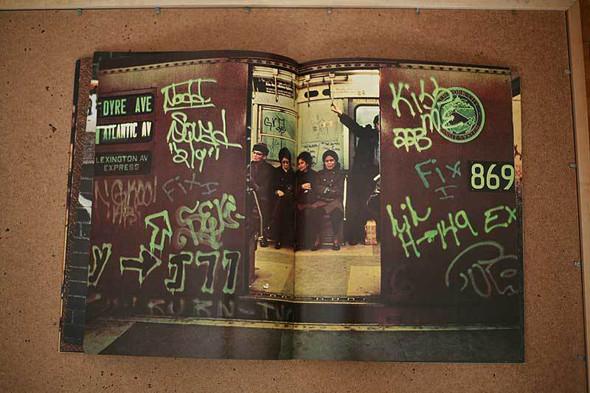 Не ждали: 8 альбомов о стрит-арте. Изображение № 56.