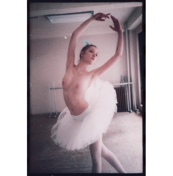 Изображение 41. Dance, dance, dance: 10 съемок, вдохновленных балетом.. Изображение № 39.