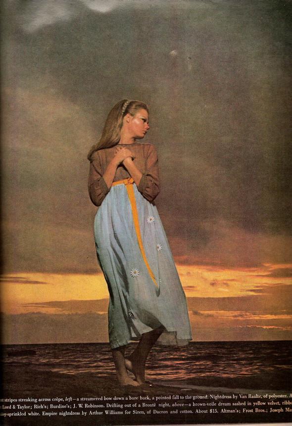 Архивная съемка: Хельмут Ньютон для Vogue. Изображение № 4.