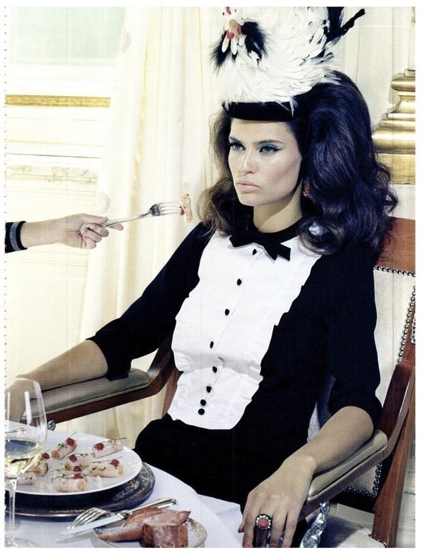 Съёмка: Бьянка Балти для итальянского Vogue. Изображение № 19.
