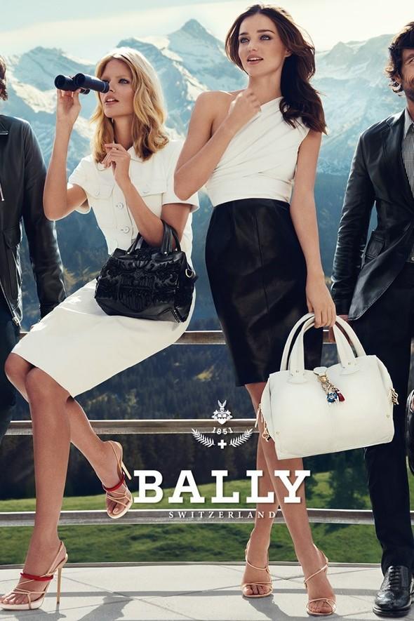 Превью кампании: Миранда Керр и Юлия Штегнер для Bally SS 2012. Изображение № 2.