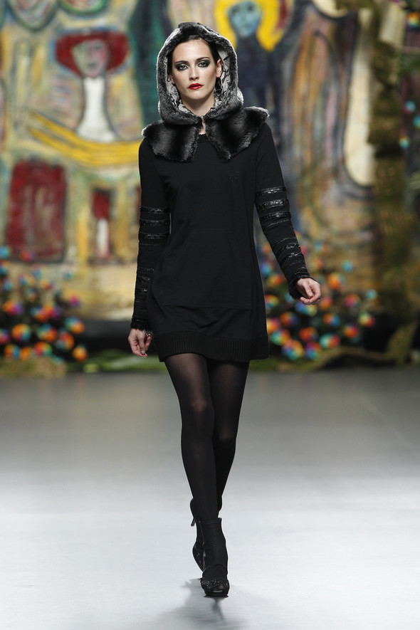 Испанцы Fall Winter 2011/2012: FRANCIS MONTESINOS. Изображение № 9.