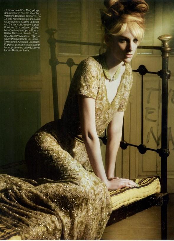 Съёмка: Розанна Георгиу для Vogue. Изображение № 9.