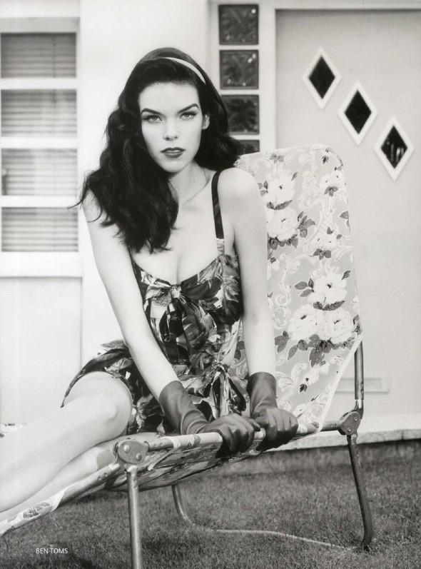 Съёмка: Меган Коллисон для российского Vogue. Изображение № 4.