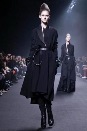 Изображение 43. Показы на Paris Fashion Week FW 2011: день 5.. Изображение № 8.