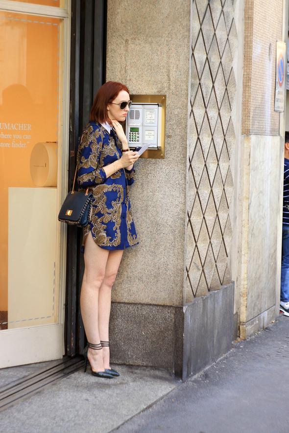 Уличная мода на Milan Fashion Week: день 1. Изображение № 8.