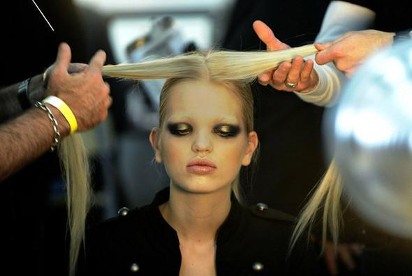 Изображение 21. Неделя моды в Нью Йорке: Бэкстэйдж.. Изображение № 21.