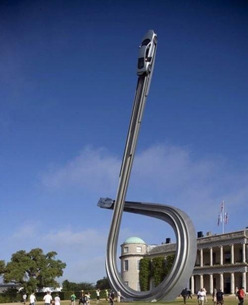 ДляAudi сделали 40-тонную скульптуру к100-ю. Изображение № 4.
