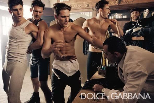 Dolce & Gabbana Fall 2010. Изображение № 1.