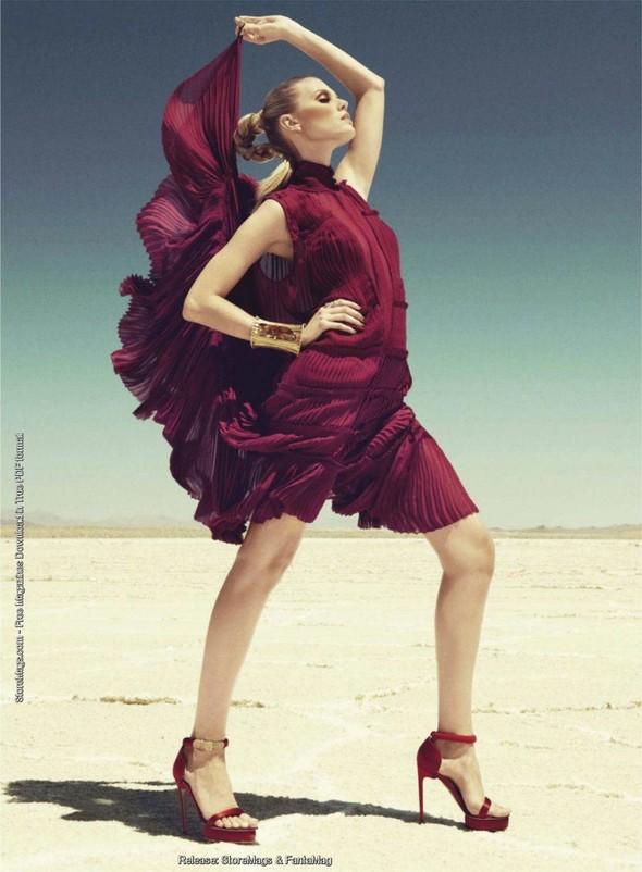 Съёмка: Марина Линчук в объективе Паолы Кудаки. Изображение № 7.