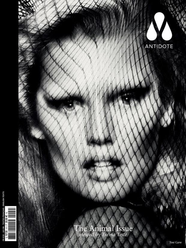 Вышли новые обложки Vogue, Numero, Interview и других журналов. Изображение № 8.
