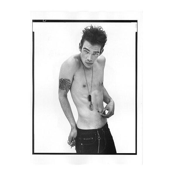 Архивная съёмка: Кейт Мосс и другие для кампании Calvin Klein, 1996. Изображение № 6.