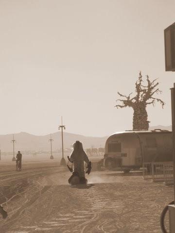 Burning Man 2011. Пыль и шарики. Изображение № 2.