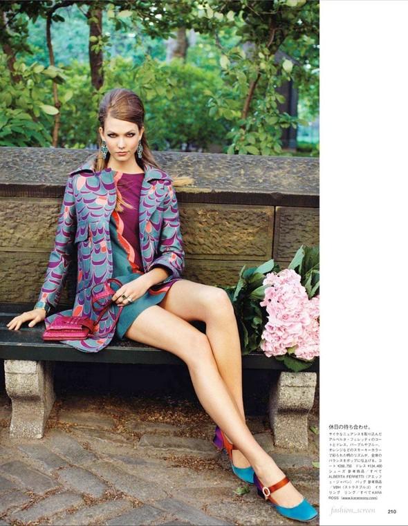 Съёмка: Карли Клосс для японского Vogue. Изображение № 8.