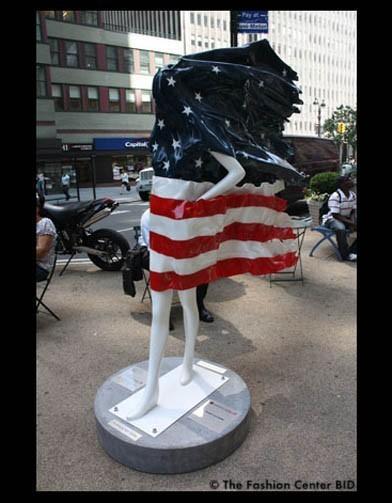 Американские модельеры переодели манекенов в Нью-Йорке. Изображение № 1.