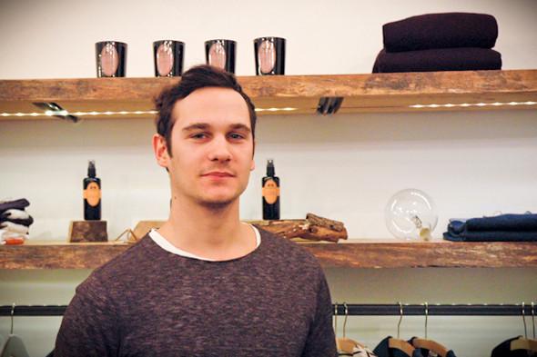 Марко, владелец Wooden Store. Изображение № 59.