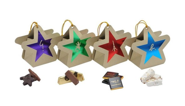 10 праздничных коллекций: Happy Socks, Oysho, Miu Miu и другие. Изображение № 3.