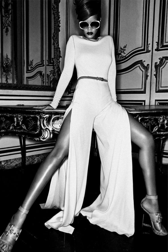 Rihanna в журнале Interview. Изображение № 7.