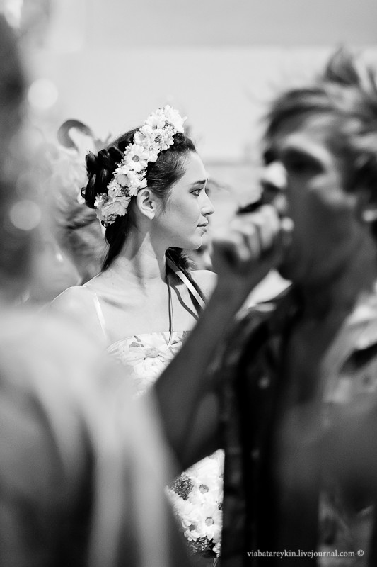 Backstage Ukrainian Fashion Week. Изображение № 22.