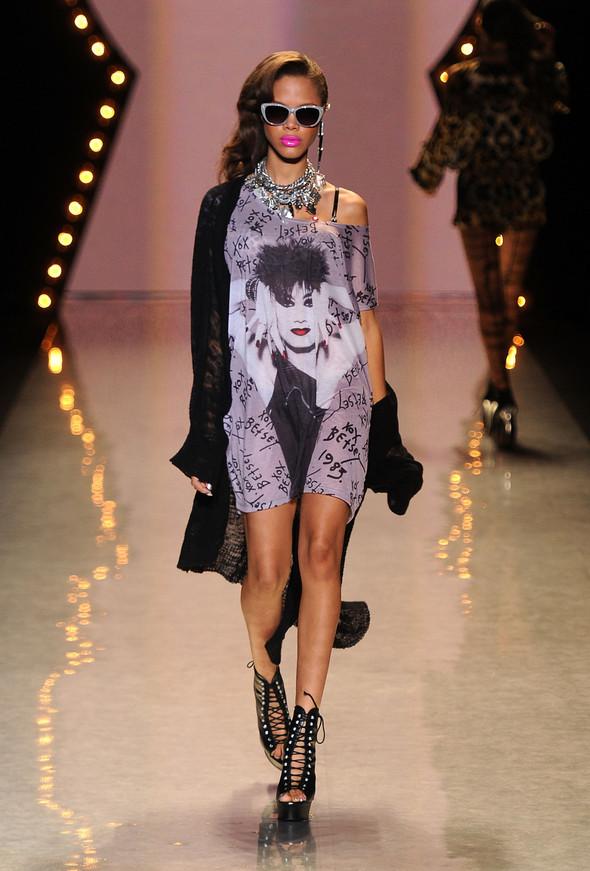 New York Fashion Week: Betsey Johnson Spring 2012. Изображение № 49.