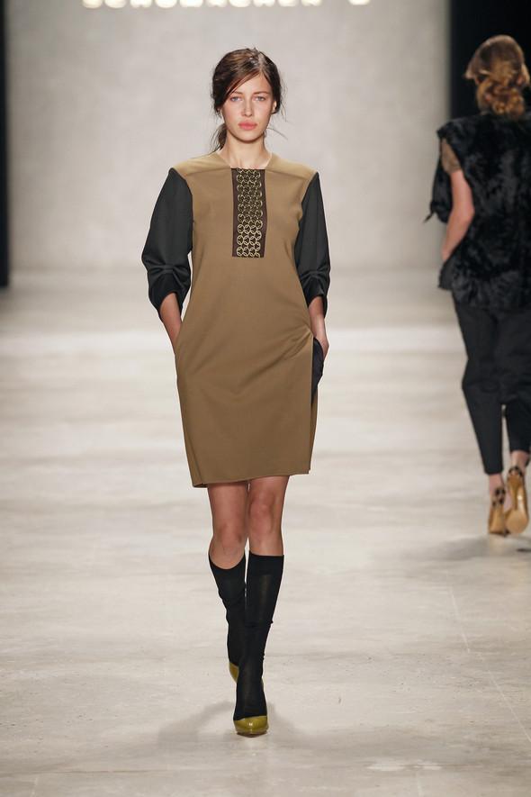 Berlin Fashion Week A/W 2012: Schumacher. Изображение № 24.