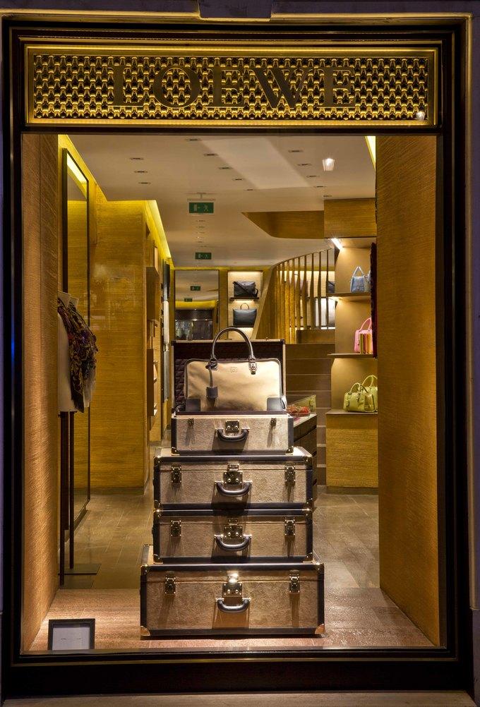 Loewe, Louis Vuitton и MM6 открыли новые магазины. Изображение № 2.