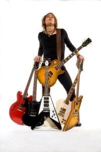 Пресс-конференция и автограф сессия легендарного гитаристаРайана Рокси. Изображение № 1.