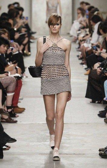 Chanel показали круизную коллекцию в Сингапуре. Изображение № 5.
