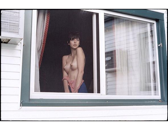 Части тела: Обнаженные женщины на фотографиях 1990-2000-х годов. Изображение №283.