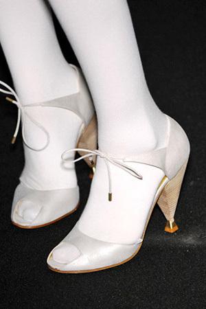 Туфли-убийцы. Изображение № 8.