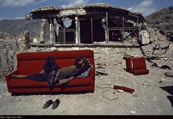 Война через объектив камеры Стива МакКарри. Изображение № 16.
