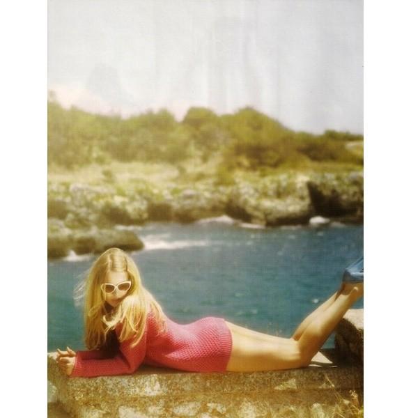 5 новых съемок: Purple Fashion, Vogue и W. Изображение № 34.