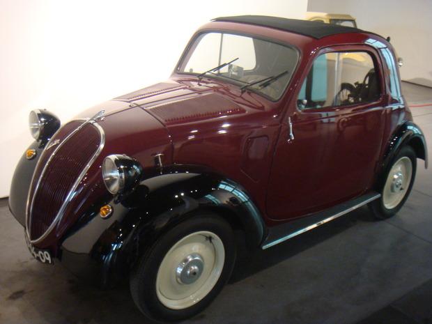 Испанский музей ретро-автомобилей. Изображение № 7.