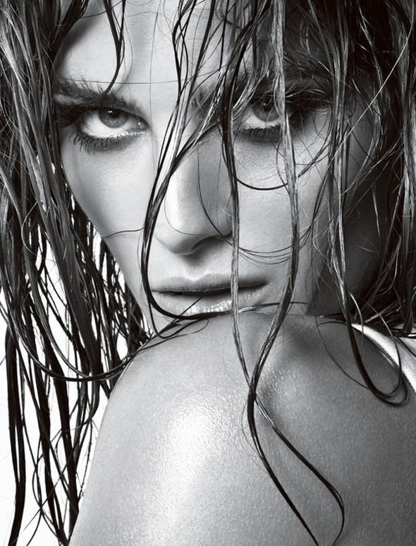 Vogue Homme Brazil Isabeli Fontana by Jacques Dequeke. Изображение № 11.