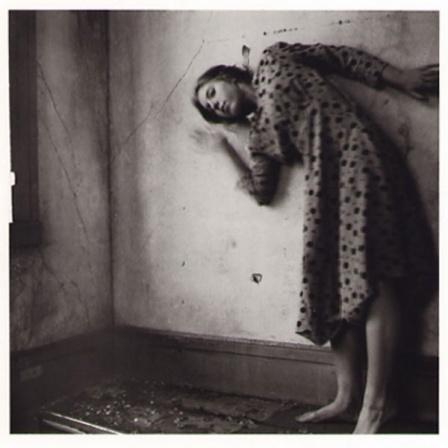 Автопортрет Франчески Вудман. Изображение № 6.
