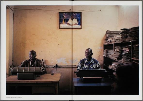 12 альбомов фотографий непривычной Африки. Изображение № 146.