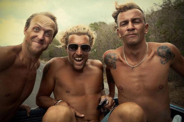 Новички пусть сидят дома: Сергей Мысовский о серфинге на Гавайях, Таити и других любимых местах. Изображение № 23.