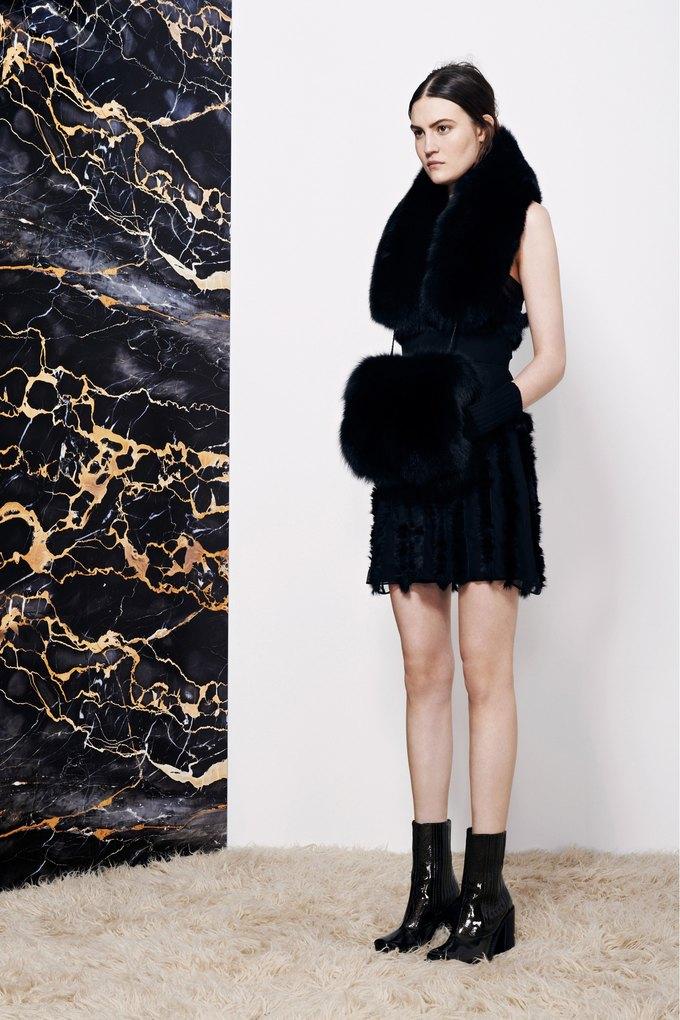 Katie Eary, Opening Ceremony и Катя Добрякова показали новые коллекции. Изображение № 29.