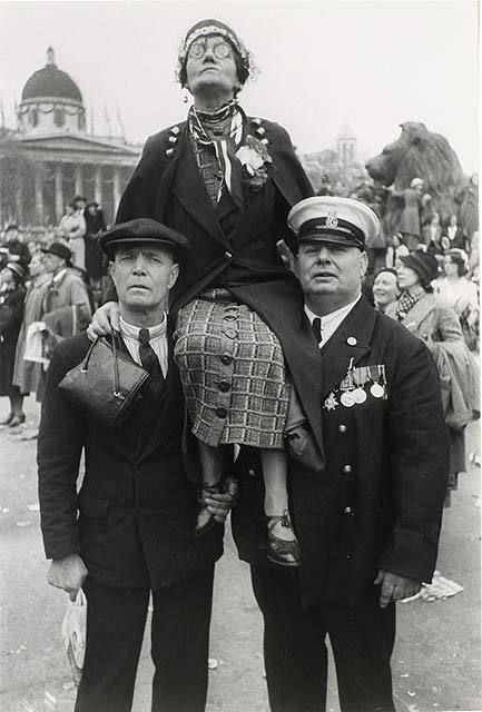 Работы французского фотографа Henri Cartier-Bresson. Изображение № 9.
