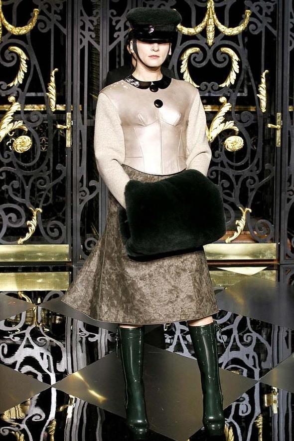Изображение 17. Louis Vuitton Fall 2011.. Изображение № 17.