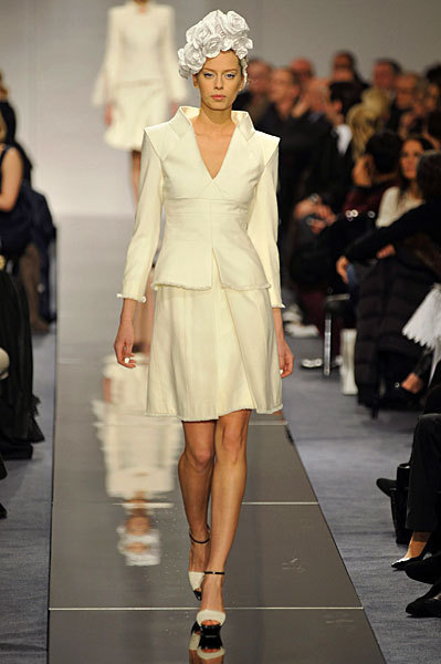 Chanel Spring 2009 Haute Couture. Изображение № 50.