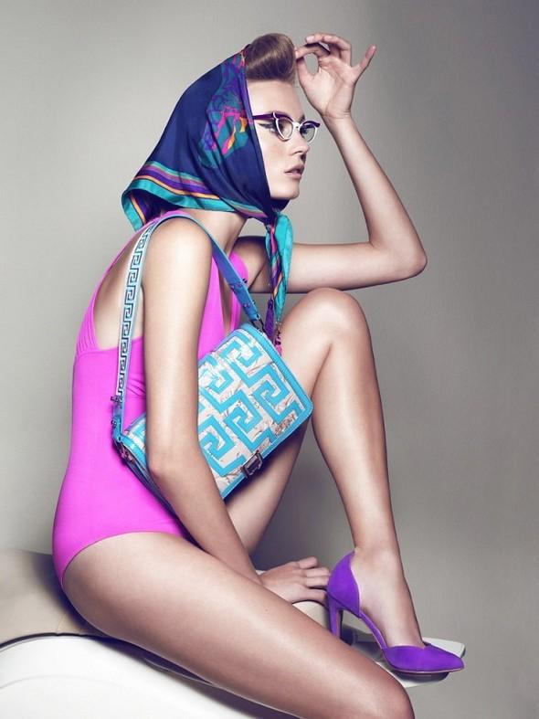 Съёмка: Шарлотт ди Калипсо для Vogue. Изображение № 2.