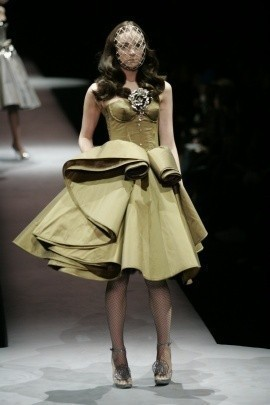 Viktor & Rolf fall-winter '07–08. Изображение № 7.