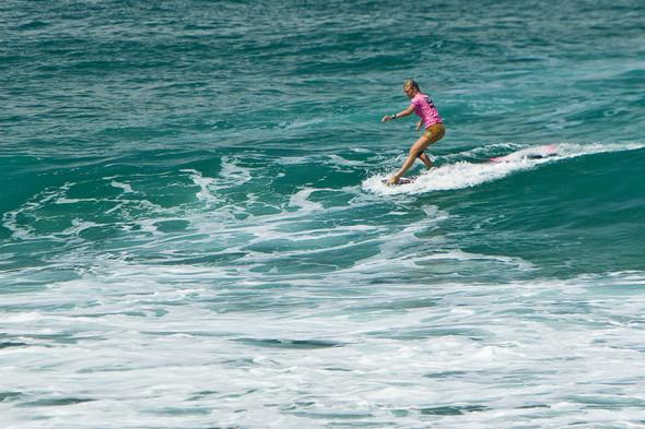 Roxy Jam: почему женский серфинг круче. Изображение № 12.